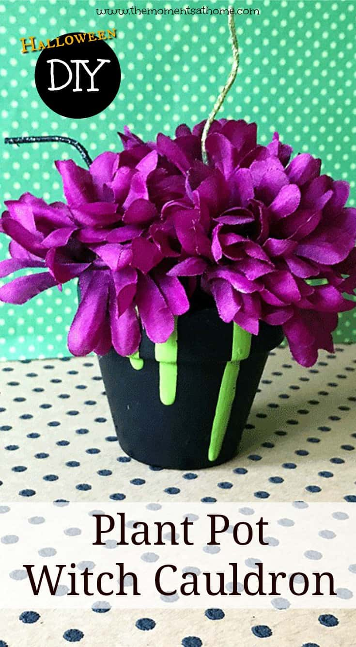DIY Halloween decor, plant pot craft. Make this cute witch cauldron from a painted plant pot! #halloweencrafts #halloweenkidscrafts #witchcrafts #kids