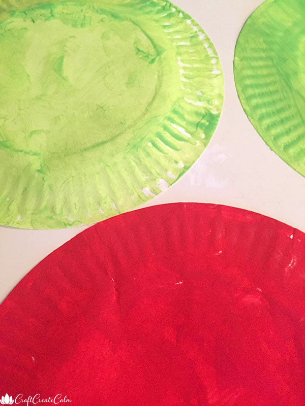 apple craft paper plates in different colors