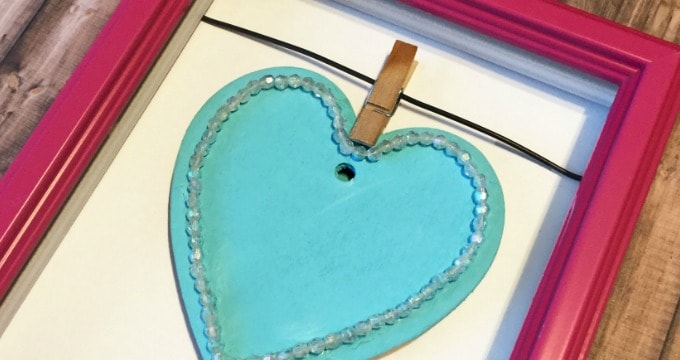 DIY Heart Decoration in a Frame Decor