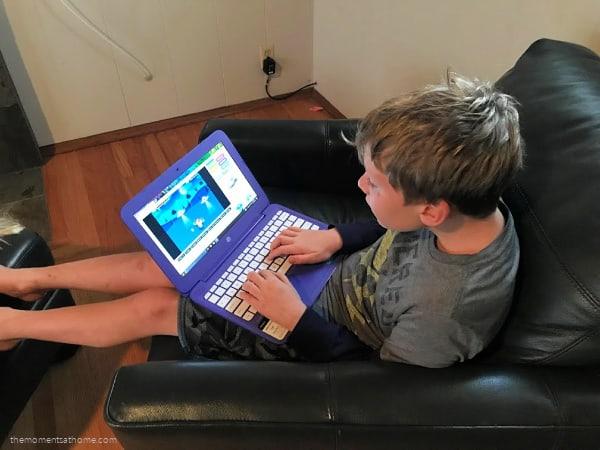 Free typing games from KidzType.